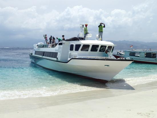 Eka Jaya Fast Boats: Départ
