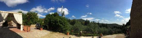 Vecchia Masseria: View from the entrance of the agriturismo