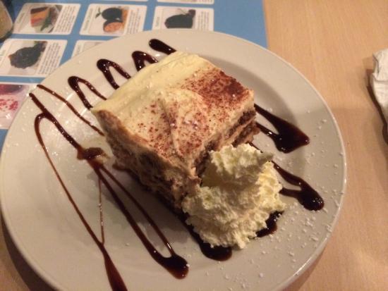 Mimmo's A-La-Carte & Pizza: The thick creamy Tiramisu