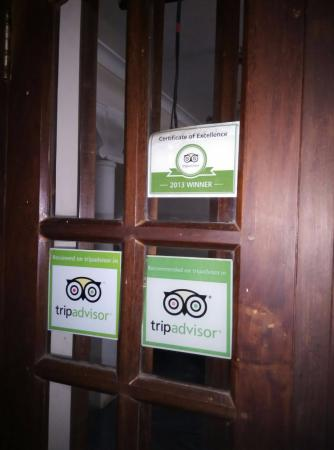 كاساماريا بيتش ريزورت: The Certiicate by tripadvisor which was way back in 2013