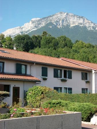 Kyriad Grenoble Sud - Seyssins : vue de l'hôtel