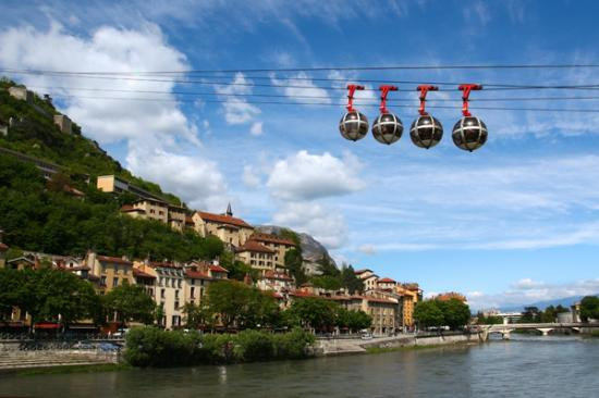 Kyriad Grenoble Sud - Seyssins : bastille