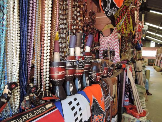 Mbabane Market: beautiful crafts....