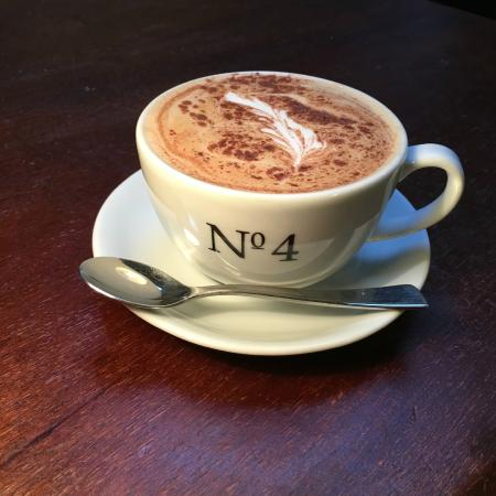 No.4 Coffee and Wine Bar: Dolce Cinnamon Latte with Extra Shot