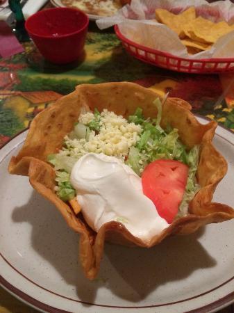 Mi Degollado: Lunch taco salad