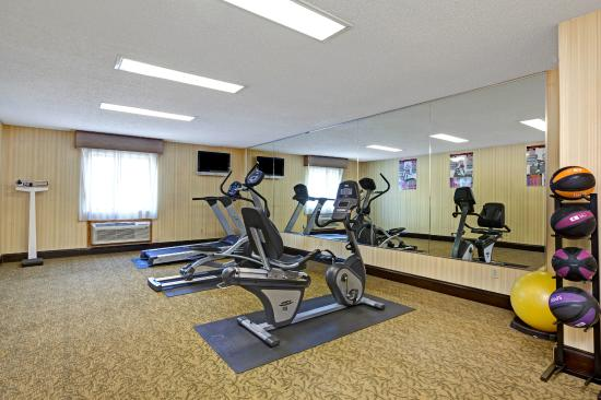 Days Inn Charleston East: Fitness Center
