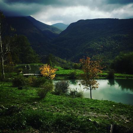 Laghetti foto di i giardini dell 39 acqua collagna for Immagini di laghetti