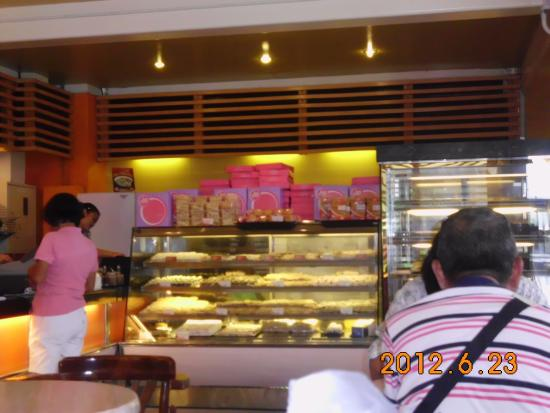 JD Cafe : cakes, pastries and many more