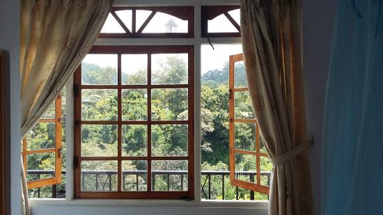 Green Side View Inn: Triple Room