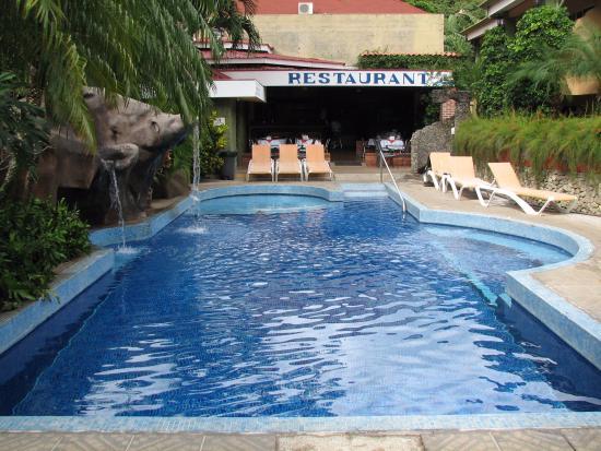 Hotel Mangaby Pool & Restaurant