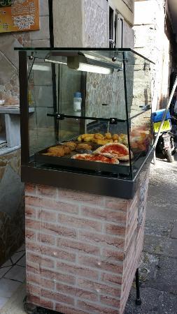 Pizzeria Borgo Antico di Pasquale Piscopo: da fuori