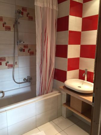 Hotel Restaurant Le Petit Kohlberg : Salle de bain