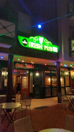 Flanagan's Harp Irish Pub
