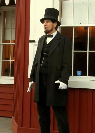 New Freedom, Пенсильвания: Lincoln giving the Gettysburg Address.