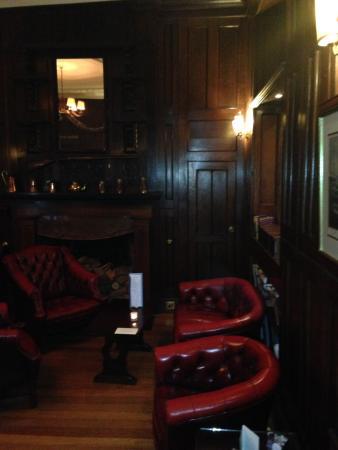 Goveton, UK: bar