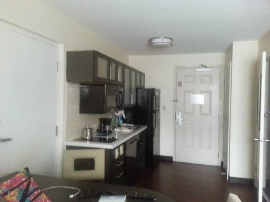 Candlewood Suites Baltimore-Linthicum: Kitchenette