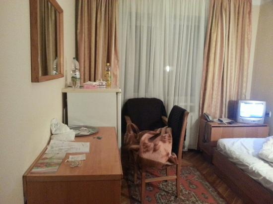 Slavutych Hotel : 20151028_173603_large.jpg