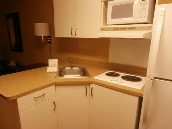 Extended Stay America - Phoenix - Mesa: kitchen area, in room