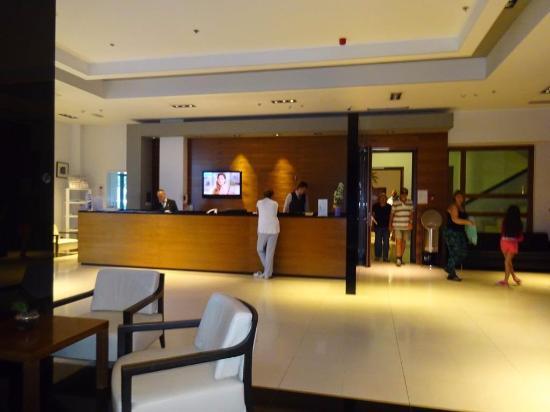 Atrium Hotel: Recepção