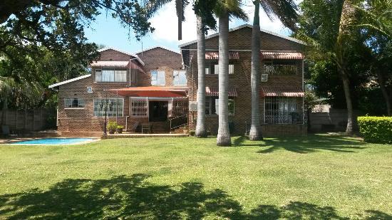 Hillton Manor