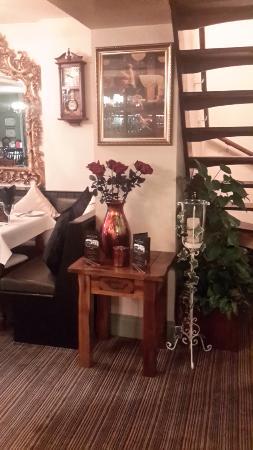 Llanwern, UK: Restaurant area.
