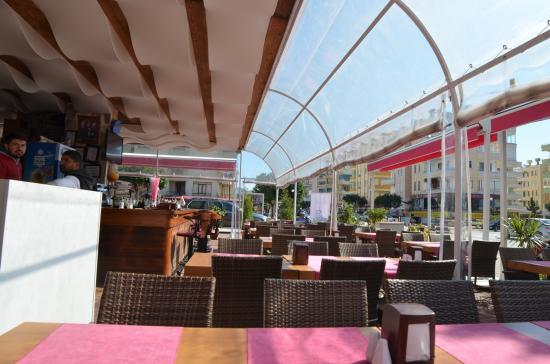 jj's Restaurant Cafe & Bar