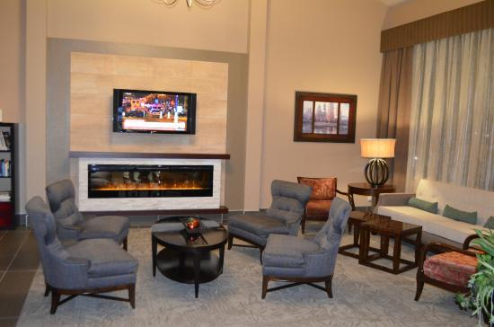 BEST WESTERN West Towne Suites: Relax in our newly renovated Lobby