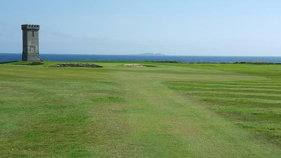 Anstruther Golf Club Marsfield: A view of the 2nd hole.