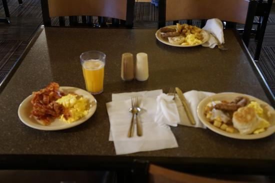 Breakfast Picture Of Best Western Plus Bryce Canyon Grand Hotel Tripadvisor