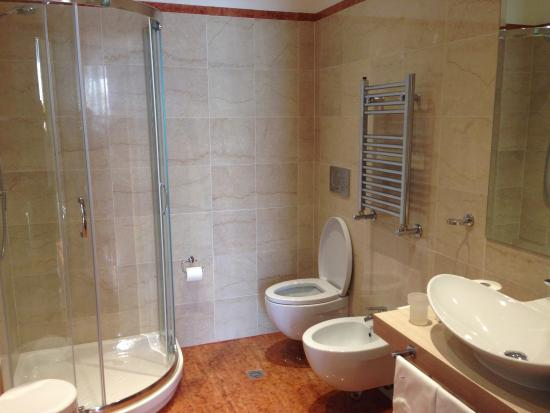 Hotel Laurentia: 4-star bathroom