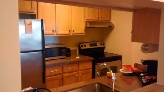 Towson University Marriott Conference Hotel: Kitchenette