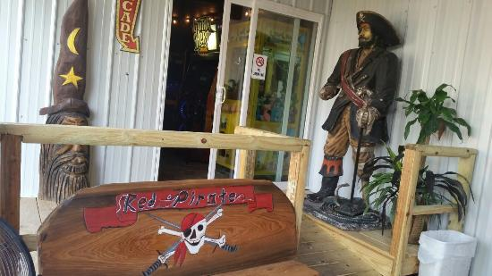 Red Pirate Family Grill & Oyster Bar Photo