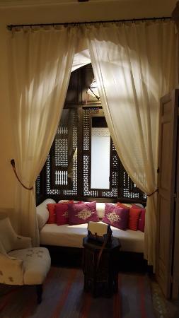 Dar Housnia: Moucharabieh room