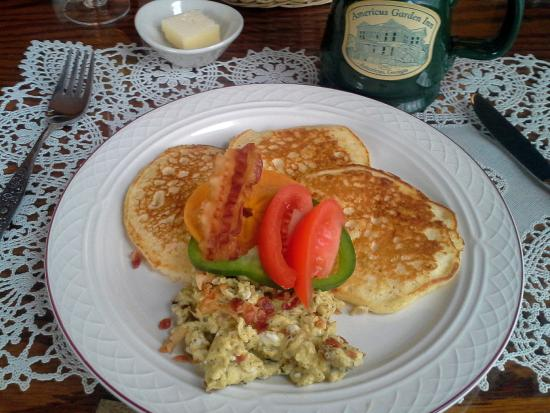 Americus Garden Inn Bed & Breakfast: Delicious breakfast