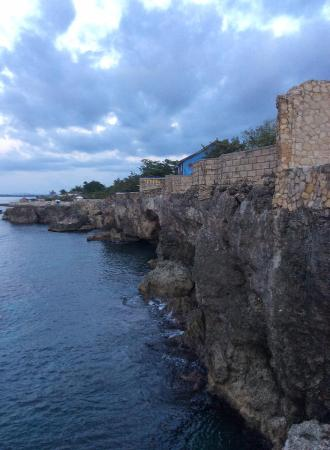 Home Sweet Home Resort: View of the Cliffs
