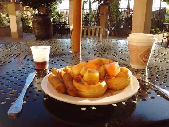 Ayres Hotel Chino Hills: Breakfast