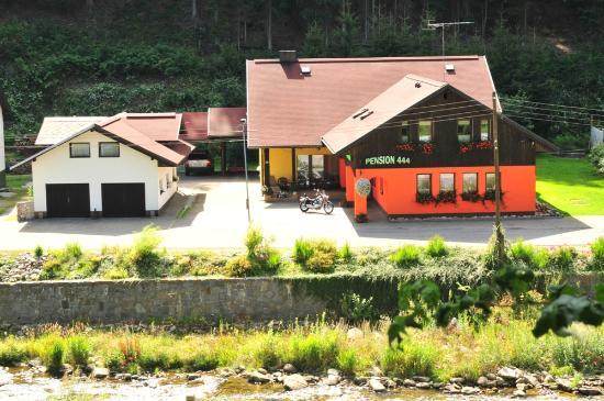 Pension 444: Exteriér Pensionu 444 - ubytování v Herlíkovicích