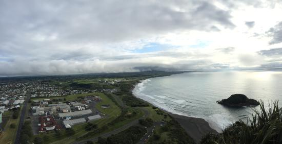 New Plymouth, Yeni Zelanda: Aussicht - Paritutu Felsen