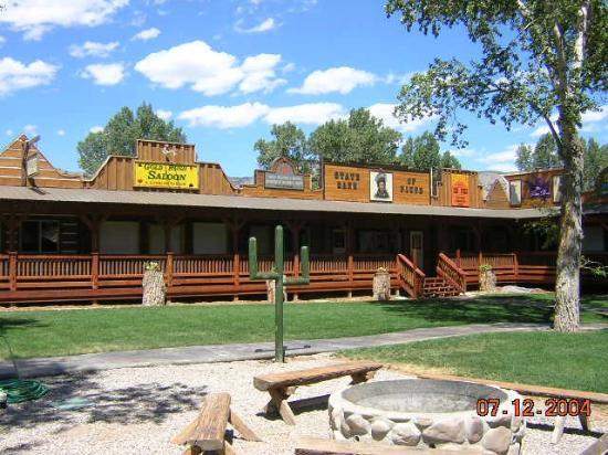 Moore S Old Pine Inn Cabins