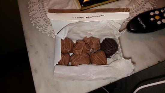 เบดฟอร์ด, เพนซิลเวเนีย: Complimentary Veteran's Day chocolates