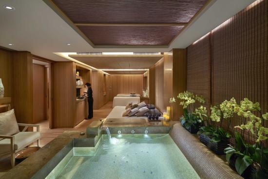 The Oriental Spa at The Landmark Mandarin Oriental, Hong Kong: Sanctuary Suite at The Oriental Spa