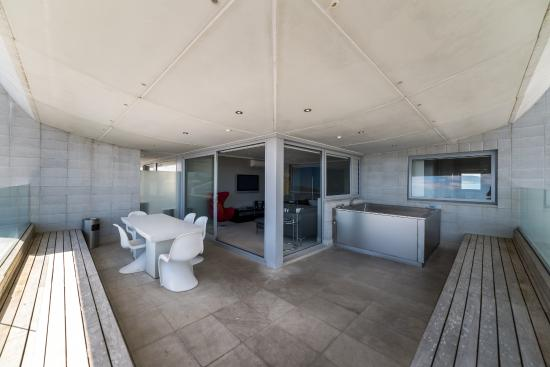 Sacred Waters Taupo Luxury Apartments: Spa Pool area