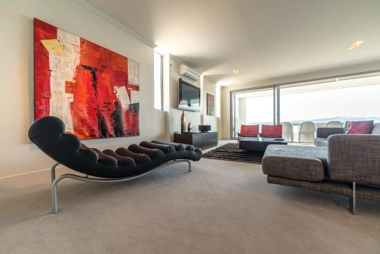 Sacred Waters Taupo Luxury Apartments: Modern Furniture