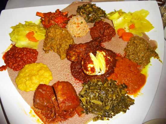 Das Ethiopian Restaurant Colorful Meat And Vegetarian Combo Plate