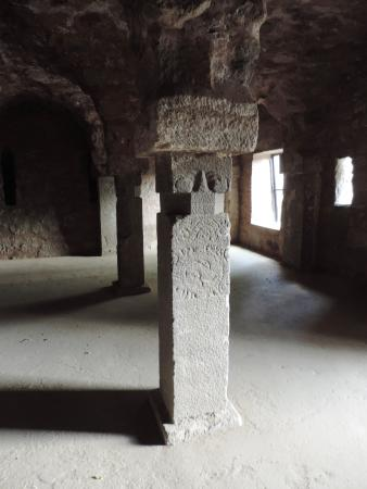 Hissar District, Indien: Pillars from detroyed temples reused in the Palace