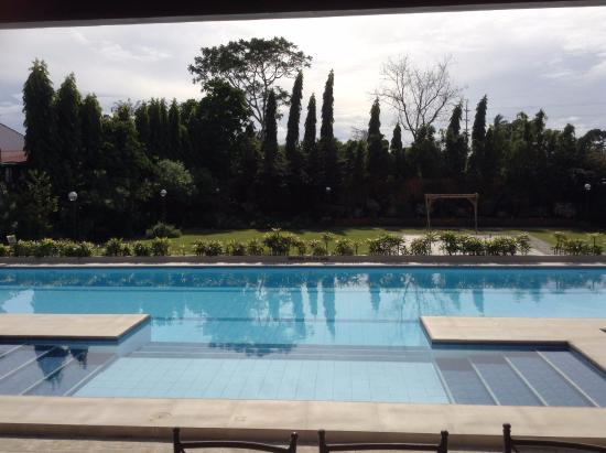 Pool picture of hotel tropika davao davao city tripadvisor for Apartelle in davao city with swimming pool