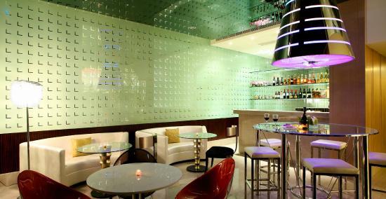 เดอะ คริสตัล รีสอร์ท ซัน มูน เลค: 酒吧(Lounge Bar)