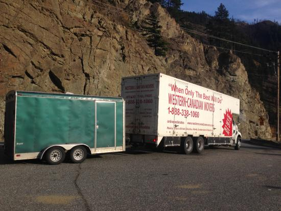 Malahat, Canadá: The unit we came in ,, lots of parking for large units