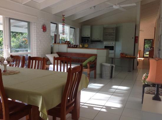 Eumundi Guesthouse and B&B : Kitchen/Dining
