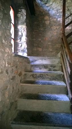 Cascina Mirandola: Verso le camere...